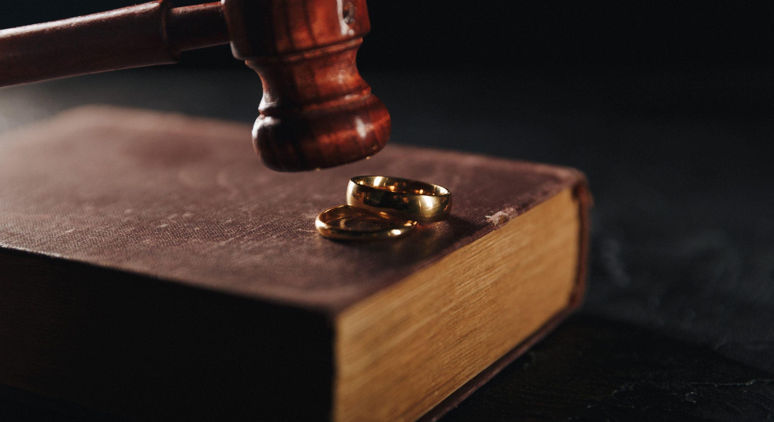 Sprawa rozwodowa - obrączki