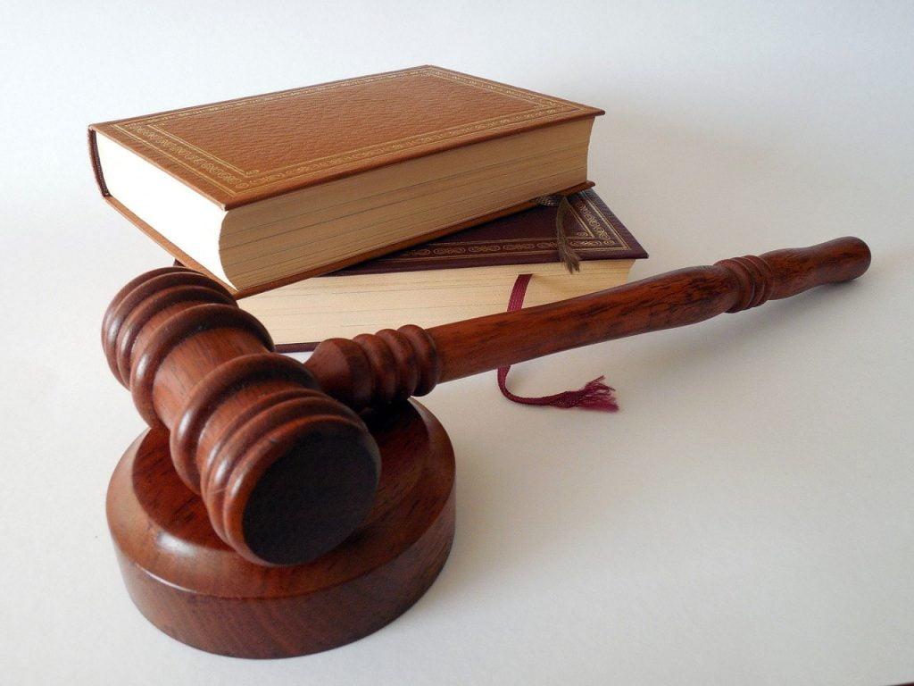 Pytania na sprawie rozwodowej - młotek
